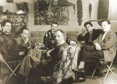 Credit Photo : Denise Cololomb Prise en 1951 à la galerie Pierre Loeb – avec Viera da Silva, Jacques Germain, Georges Mathieu, Pierre Loeb, Jean-Paul Riopelle et Zao Wou-Ki.