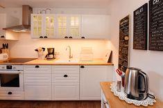 Backofen, Geschirrspüler, diverse Küchengeräte, also komplett ausgestattet Kitchen Cabinets, Home Decor, Oven, Ad Home, Decoration Home, Room Decor, Cabinets, Home Interior Design, Dressers