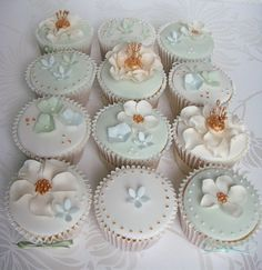 cupcakejunkie:  (by smithy.claire)  Uuuuuuuuuuuu…Mmmmmmmmmmm