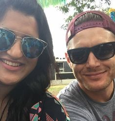 Jensen and a fan at ACL