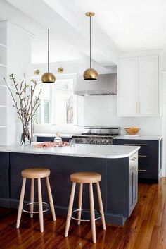 70 Stunning Minimalist Kitchen Design Trends - Page 10 of 71 Grey Kitchen Cabinets, Kitchen Cabinet Design, Interior Design Kitchen, Kitchen Counters, Soapstone Kitchen, Kitchen Island, Kitchen Backsplash, Kitchen Flooring, Minimalist Kitchen Cabinets