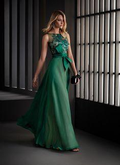 Godmother Dress, Manu Garcia, Green Evening Gowns, Strapless Dress Formal, Formal Dresses, Party Dresses, Affordable Prom Dresses, Weeding Dress, Mother Of Groom Dresses