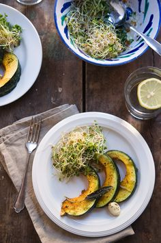 Summer squash and alfalfa sprouts? No recipe attached, sorry. Vegan Vegetarian, Vegetarian Recipes, Paleo, Kinds Of Vegetables, Veggies, Alfalfa Sprouts, Stuffed Mushrooms, Stuffed Peppers, Summer Squash