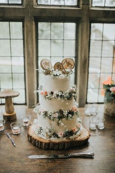 Rustic Cake Flowers Log Topper Enchanting Woodland Boho Wedding http://www.kerrydiamondphotography.com/