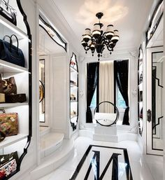 Based in Toronto and working for jet-setters around the planet, Lori Morris is recognized as one of the best interior designers. Discover her design projects! Walk In Closet Design, Closet Designs, Placard Design, Dream Home Design, House Design, Beautiful Closets, Luxury Closet, Dream Closets, Dream Bedroom