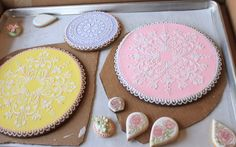 "Julie Usher's 10"" and 6"" cookie doily platters"