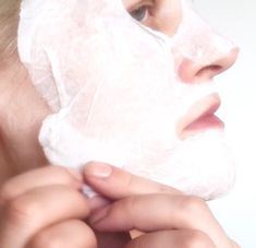 DIY Face mask Blackhead Pimple Acne Peel off cotton facial mask Homemade No gelatin 3 How to make your own Peel Off face mask (no gelatin) Diy Beauty, Beauty Hacks, Beauty Stuff, Beauty Ideas, Beauty Tips, Face Mask For Blackheads, Pimples, Glowy Skin, Skin Makeup