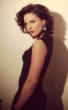 HERE SHE IS---- THE BEAUTIFUL @lanaparrilla. OMG!!