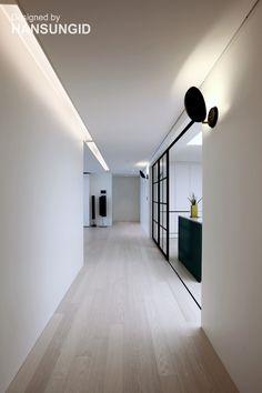 Laminate Flooring While Remodeling the Home Apartment Interior, Room Interior, Interior Design Living Room, Living Room Designs, Interior Decorating, Basement Flooring, Timber Flooring, Floor Design, House Design