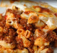 Chili Mac And Cheese Lasagna - Twisted paleo crockpot chili Chili Mac And Cheese, Mac Chili, Chilli Mac, Mac And Cheese Lasagna Recipe, Mince Recipes, Beef Recipes, Cooking Recipes, Cooking Chili, Casserole Recipes