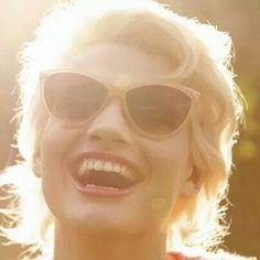 Sourire trois fois par jour...