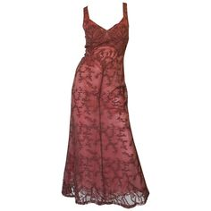 Dusky Pink Beaded Net and Applique Valentino Dress For Sale at Pretty Outfits, Pretty Dresses, Cool Outfits, Look Fashion, Fashion Outfits, Mode Alternative, Valentino Dress, Designer Evening Dresses, Red Evening Gowns