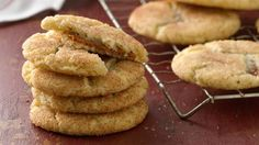 Put a fun twist on a Salted Caramel-Stuffed Snickerdoodles- classic snickerdoodle cookie by filling the center with gooey, soft dulce de leche. Best Christmas Cookie Recipe, Christmas Baking, Christmas Desserts, Holiday Cookies, Christmas Time, Christmas Ideas, Holiday Baking, Christmas Holiday, Xmas