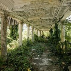 beautiful abandoned places | 41 Spooky Yet Incredibly Beautiful Abandoned Places In The World ...