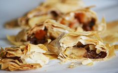 Cukormentes almás rétes bolti réteslapból Snack Recipes, Snacks, Chips, Breads, Desserts, Food, Snack Mix Recipes, Bread Rolls, Tailgate Desserts