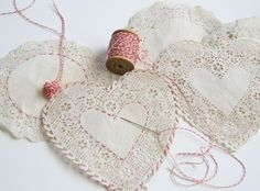 Embroidery On Paper Embroidered Paper Doilies: Oh my goodness how simple and cute. A little baker's twine goes a long way as embroidery on these doilies for an extra special touch! - Paper doily crafts for Valentine's Day Paper Doily Crafts, Doilies Crafts, Paper Doilies, Paper Lace, Paper Crafting, Valentine Day Crafts, Valentine Decorations, Valentine Heart, Homemade Valentines