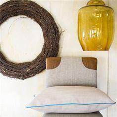 Poduszka z lamówką, beżowo-turkusowa