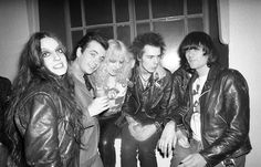 shoulder, Linda Clark (unknown women), Lee Black Childers, Nancy Spungen, Sid Vicious (pistols) and Dee Dee Ramone (ramones) -  ©Photo by Danny Fields