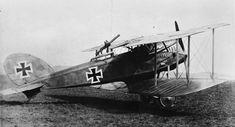 GERMAN AIRCRAFT FIRST WORLD WAR (Q 66299)   Halberstadt C.III two-seat reconnaissance plane.