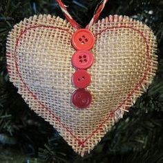 Sweet Burlap Heart Ornament, DIY and Crafts, burlap christmas ornaments pictures Country Christmas Crafts, Burlap Christmas Ornaments, Christmas Hearts, Christmas Sewing, Felt Ornaments, Holiday Crafts, Christmas Diy, Rustic Christmas, Advent Wreaths