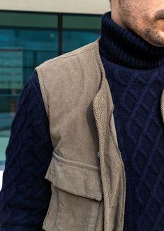 "Look homme : ""Urbain Tout-Terrain"" pour l'automne / hiver Derby, Pull Torsadé, Men Sweater, Sweaters, Fashion, Shirt Collars, Men Wear, Urban, Moda"