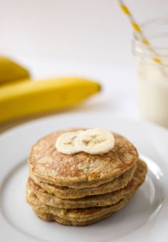 Oatmeal Pancakes *added a scoop of protein powder, and still tasted great! Oatmeal Pancakes *added a scoop of protein powder, and still tasted great!Oatmeal Pancakes *added a scoop of protein powder, and still tasted great! Oatmeal Protein Pancakes, Protein Packed Breakfast, Healthy Banana Pancakes, Simple Protein Pancakes, Banana Egg Pancakes, Protein Powder Pancakes, Breakfast Pancakes, Banana Breakfast Recipes, Pancakes From Bananas