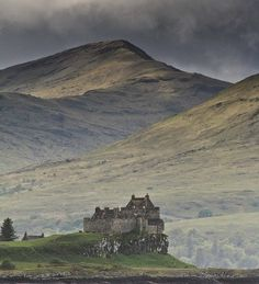 Duart Castle, Mull, Scotland - been there twice - love it - miss it- mull is in my soul