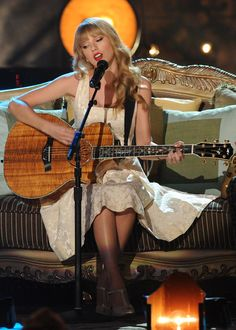 Taylor Swift's VH1 #Storytellers performance premieres November 11! #swifties