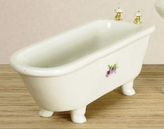 White Footed Bathtub | Mary's Dollhouse Miniatures