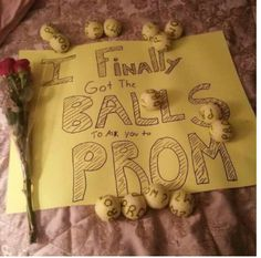 Alyce Paris News, Celebrity Fashion, Prom News, Humor, Videos 25 creative ways to get asked to prom or homecoming Dance Proposal, Homecoming Proposal, Prom Posals, High School Dance, School Dances, Best Prom Proposals, Formal Proposals, Asking To Prom, Prom 2015