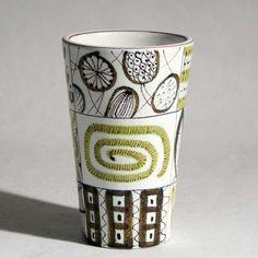 Stig Lindberg Ceramic Tableware, Ceramic Cups, Ceramic Pottery, Pottery Art, Ceramic Art, Pottery Ideas, Umea, Modern Ceramics, Contemporary Ceramics
