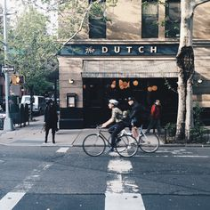 I've just returned from New York after a week of finding the most amazing new discoveries. I had to share the brand new Butcher's Daughter in West Village with you already (see my report here) apart from all the pictures I've shared on social media....