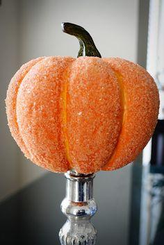 [DIY] Sparkly Pumpkins For Fall #diy #decor