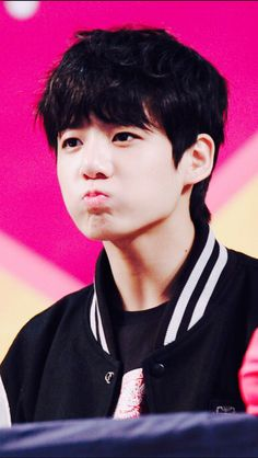 Jungkook-ah~ You're so flippin' adorable>•< keke...