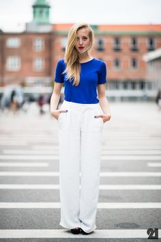 #SarahMikaela that blue tee/white pants combo is awesome. Copenhagen. #Le21eme