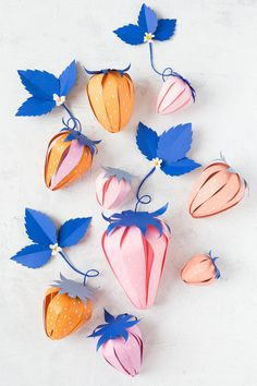 Paper Strawberry Surprise Ball - The House That Lars Built - Craft Ideas and Tutorials - paper strawberry surprise - Paper Crafts For Kids, Diy Paper, Paper Art, Diy And Crafts, Diy Projects With Paper, Tissue Paper, Mishloach Manos, Fleurs Diy, Victorian Flowers