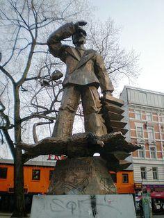 Hans Albers Denkmal, Hans Albers Memorial, Hamburg, Germany 6, 1986.