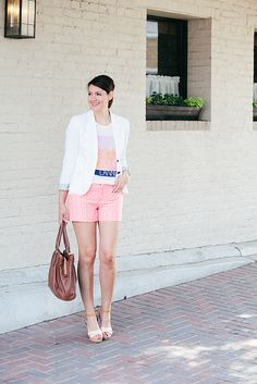 A pair of Gap shorts as featured on the blog Kendi Everyday.