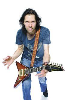 Paul Gilbert Guthrie Govan, Paul Gilbert, Famous Guitars, Bonnie Tyler, Best Guitar Players, Mr Big, Best Guitarist, Heavy Metal Rock, Judas Priest
