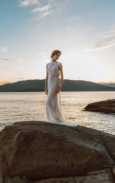 Elegant Backless Wedding Dress in Ivory Cotton Open by ElikaInLove Simple Wedding Gowns, Gorgeous Wedding Dress, Beautiful Dresses, Backless Wedding, Wedding Ideas, Wedding Bridesmaids, Bridesmaid Dresses, Wedding Dresses, Groomsmen Grey
