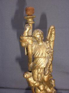 Pié de lámpara con ángel de la guarda en calamina Lamps, Lion Sculpture, Statue, Art, El Dorado, Grow Old, Feet Nails, Lightbulbs, Art Background