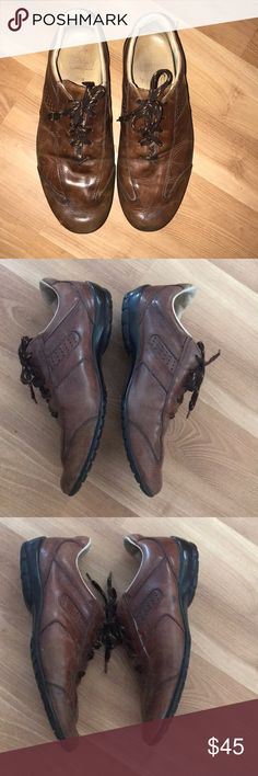 a2112af0b63b Allen Edmonds brown leather sneakers size 9D Good vintage condition. It has  scratches on the