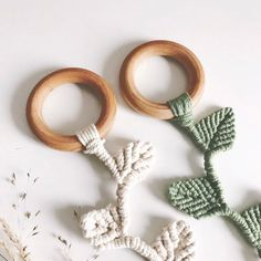 Your place to buy and sell all things handmade Natural Wooden Macramé Teether Vine Leaf Wooden Teething Ring, Baby Shower Presents, Vine Leaves, Vides, Passementerie, Macrame Projects, Sensory Toys, Wooden Rings, Handmade Toys