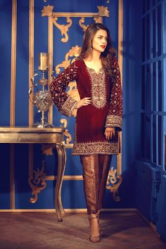 Salwar Suit Eid Store - Buy Velvet Black Straight Pant Suit With Zari Work - Salwar Kameez for Women from Andaaz Eid Collection at Best Prices. Velvet Pakistani Dress, Pakistani Formal Dresses, Pakistani Party Wear, Pakistani Fashion Casual, Pakistani Wedding Outfits, Pakistani Dress Design, Indian Dresses, Pakistani Designer Clothes, Stylish Dresses