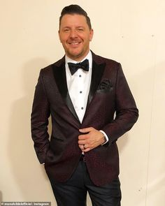 Manu Feildel once got on the sauce at a Channel Seven event and balanced chairs on his chin Pete Evans, Bizarre Stories, Picture Source, Nicole Scherzinger, Teenage Years, Lineup, Comedians, Night Out, Channel
