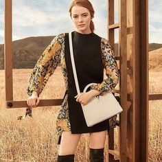#LouisVuitton vừa công bố #EmmaStone chính là nàng thơ mới của thương hiệu trong chiến dịch Spirit of Travel. Photo source: @louisvuitton #ellevn #ellevietnam via ELLE VIETNAM MAGAZINE official Instagram - #Beauty and #Fashion Inspiration - Beautiful #Dresses and #Shoes - Celebrities and Pop Culture - Latest Sales and Style News - Designer Handbags and Accessories - International Advertising Campaigns - Gifts and Bargain #Shopping Guide - Famous Luxury Brands on Instagram - Trendsetters…