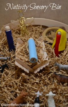 An easy, DIY Nativity sensory bin - great Advent activity for kids.