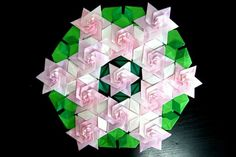 Origami modular Origami Quilt, Origami Paper, Tesselations, Baby Car Seats, Paper Crafts, Quilts, Projects, Paper, Log Projects