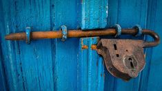 Free Image on Pixabay - Door, Blue, Rusty, Entrance, Wood Gate Locks, Door Locks, Wd 40 Spray, Azul Vintage, Lifehacks, Metal Detecting, Make A Donation, Door Knockers, Canon Eos Rebel