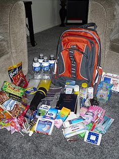Emergency Survival 72 Hour Kits with comprehensive list and pictures! - reminds me of my sons zombie survival bag lol too funny Emergency Preparedness Kit, Emergency Preparation, Emergency Supplies, Survival Supplies, Emergency Planning, Hurricane Preparedness Kit, Tornado Preparedness, Emergency Food Kits, Pet Supplies